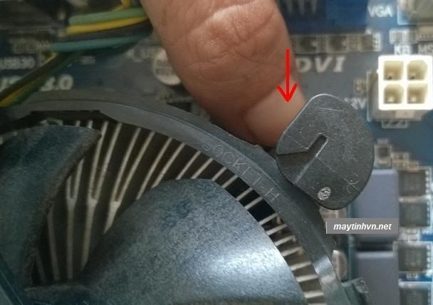 gắn fan vào mainboard