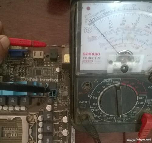 Kích nguồn quạt CPU quay rồi tắt